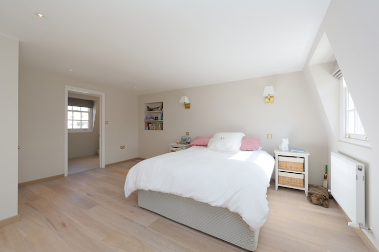 ​double mansard loft conversion chelsea:  Bedroom by nuspace