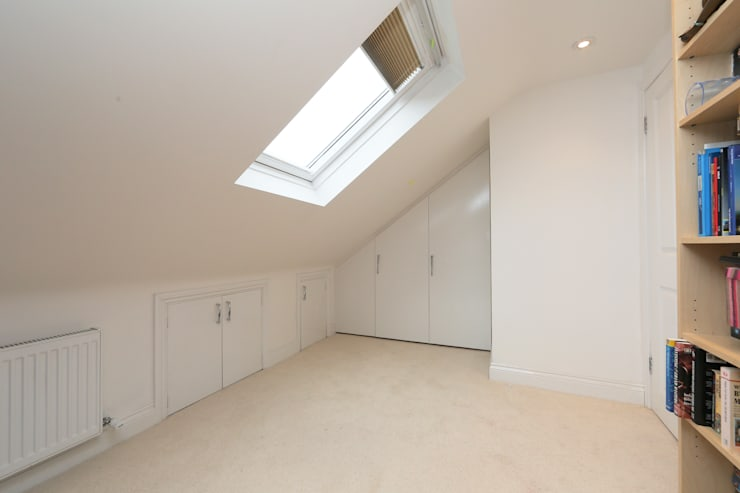 hip to gable loft conversion wimbledon:  Dressing room by nuspace