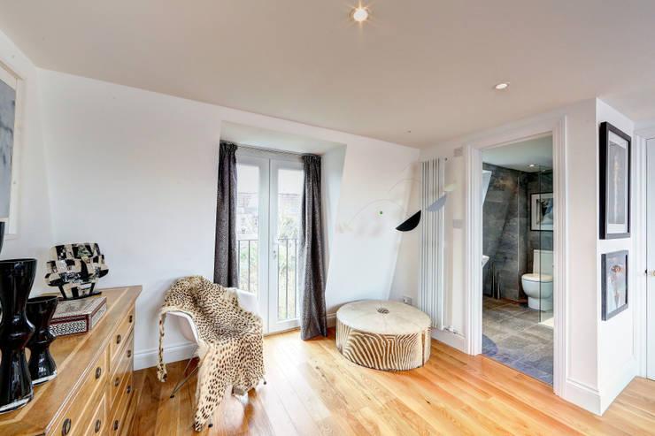 mansard loft conversion wandsworth:  Bedroom by nuspace