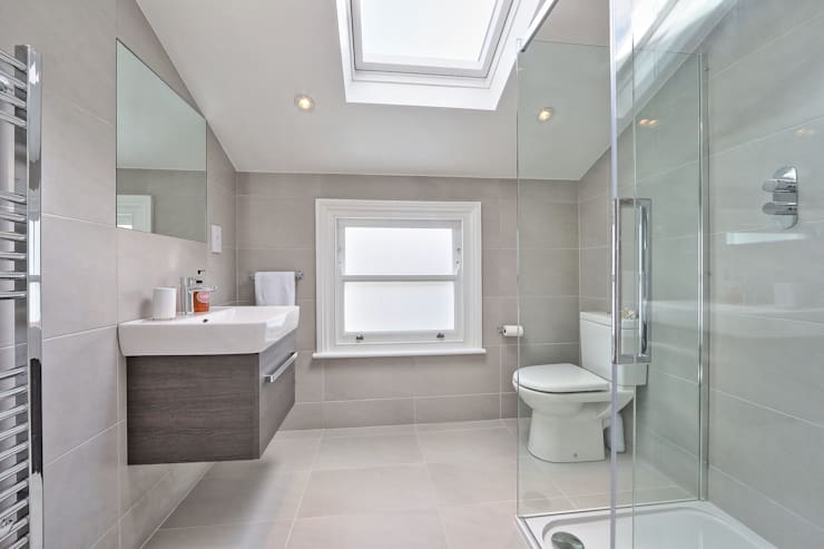 loft conversion with full back addition:  Bathroom by nuspace