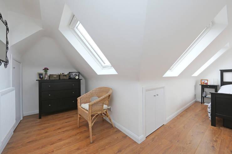 l-shaped dormer loft conversion richmond:  Dressing room by nuspace