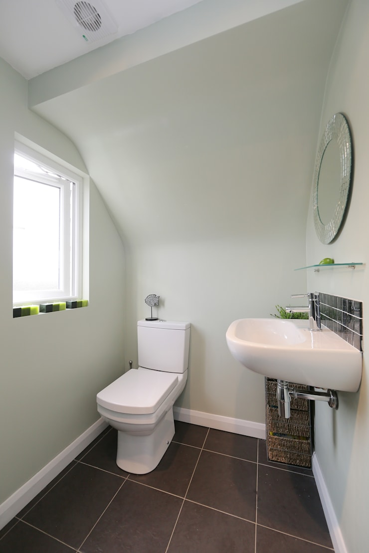 l-shaped dormer loft conversion richmond:  Bathroom by nuspace