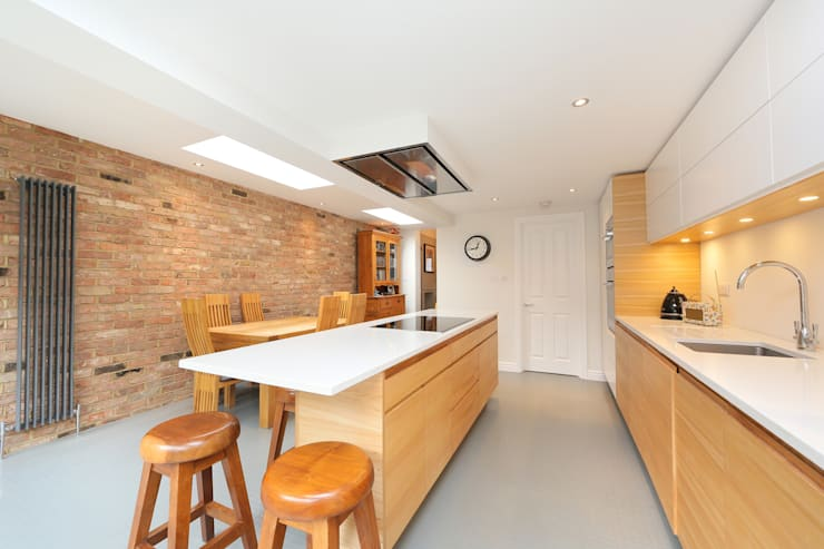 kitchen extension dulwich with flat roof and open brickwork: modern Kitchen by nuspace