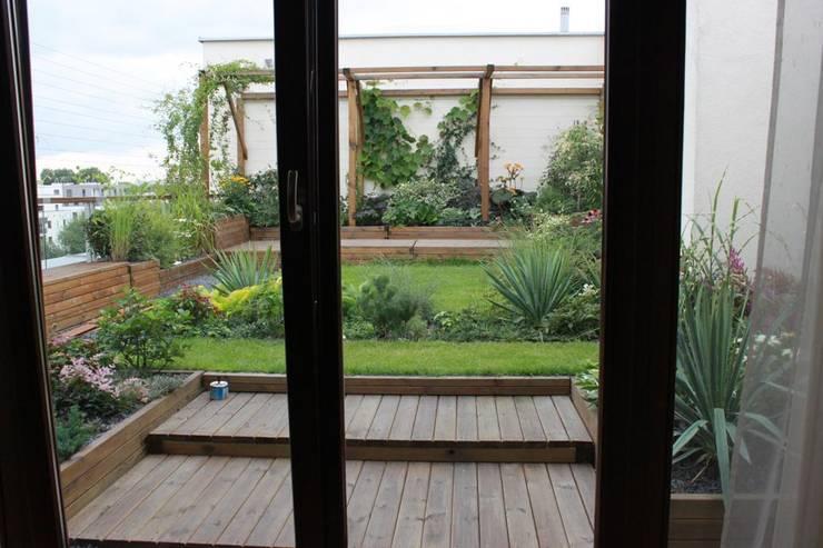 Taras na dachu: styl , w kategorii Taras zaprojektowany przez GREENERIA