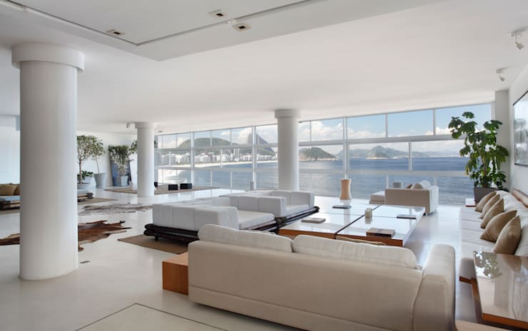 Living room by House in Rio