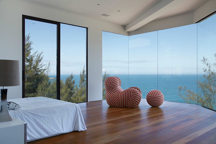 Suite: Quartos  por House in Rio,