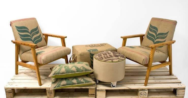coffee chairs: styl , w kategorii Domowe biuro i gabinet zaprojektowany przez ak design