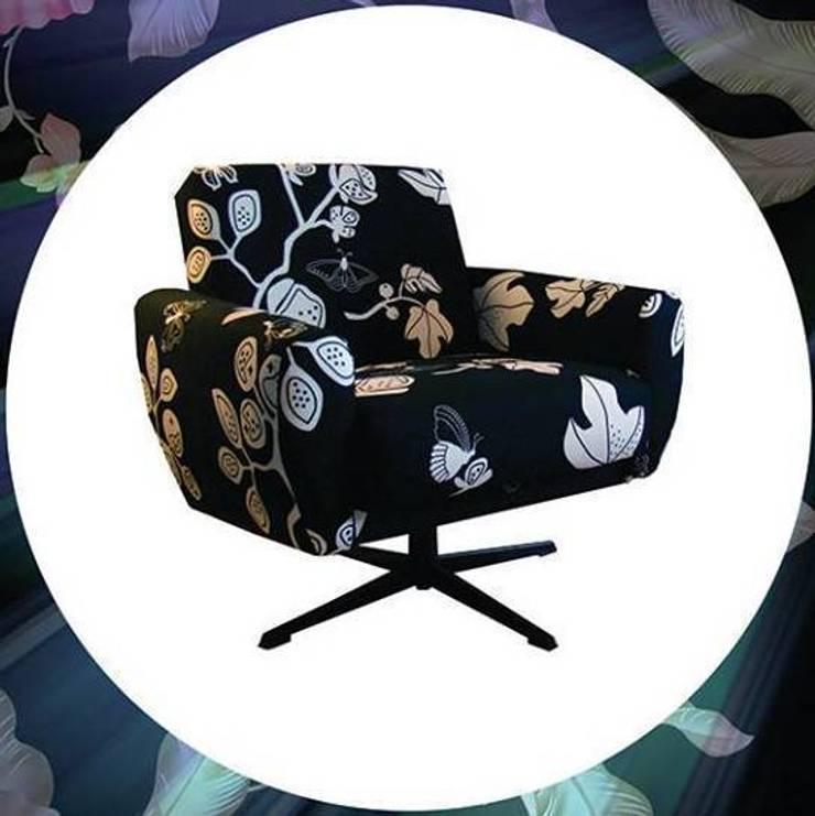 fotele po renowacji: styl , w kategorii Salon zaprojektowany przez ak design