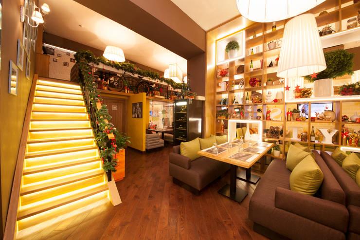 Ресторан Bona Capona II: Бары и клубы в . Автор – oneione