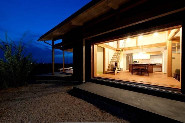 うきはの家: AMI ENVIRONMENT DESIGN/アミ環境デザインが手掛けた庭です。,