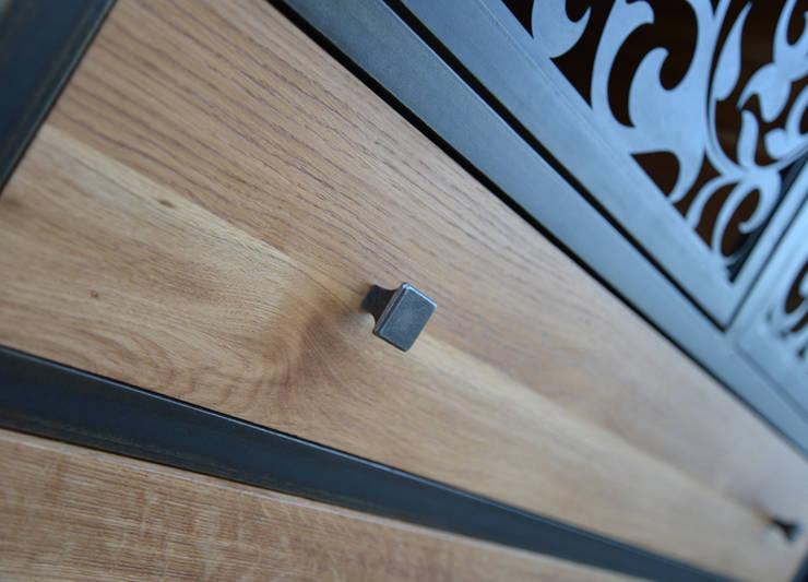 komoda VINTAGE: styl , w kategorii Salon zaprojektowany przez John Carpenter INDUSTRIAL