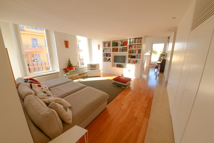 11. Lounge interna: Soggiorno in stile  di Studio Fori