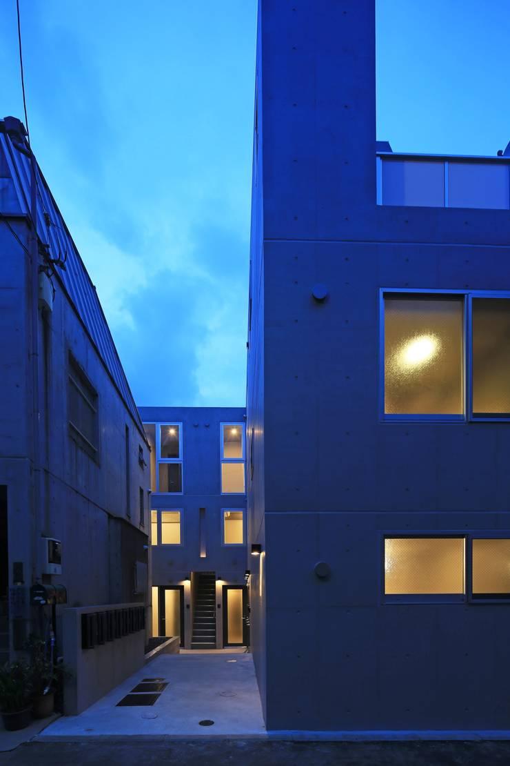 Octy: SOCIUS一級建築士事務所が手掛けた家です。,モダン コンクリート