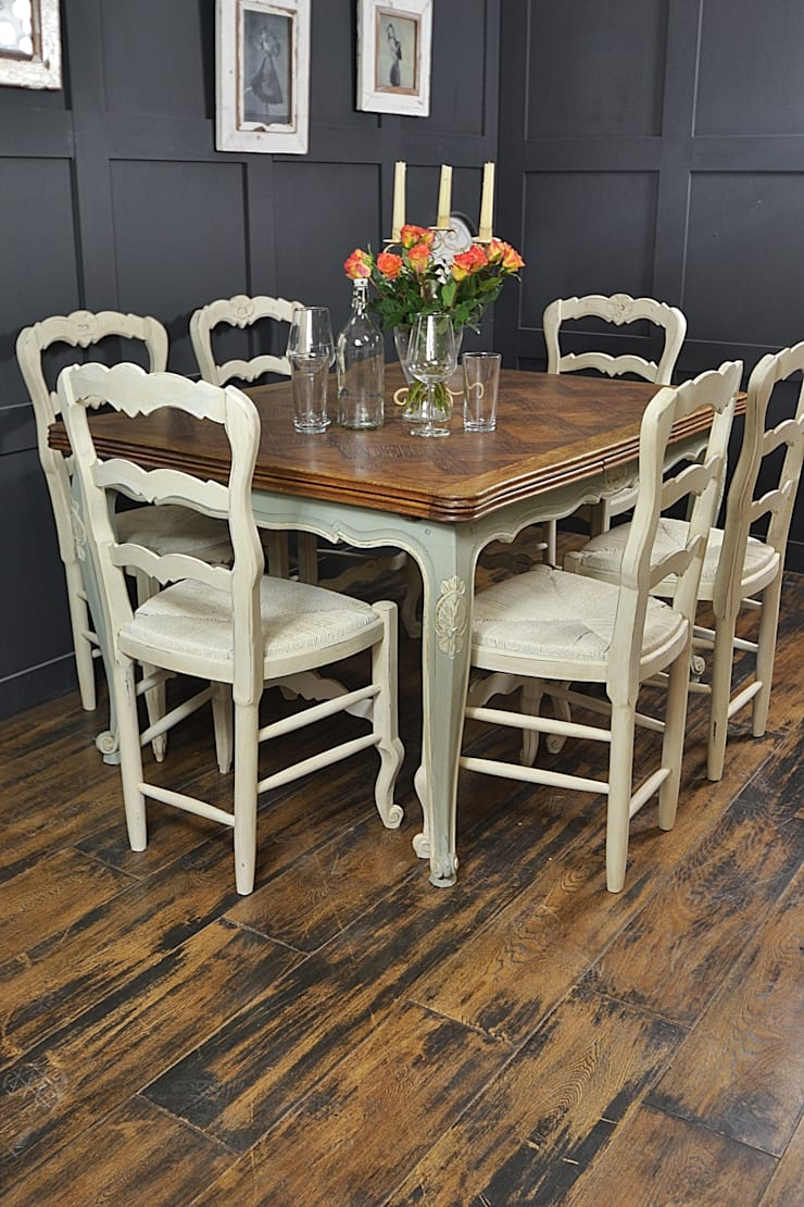 Shabby Chic French Oak Dining Table with 6 Chairs in Rococo:  Dining room by The Treasure Trove Shabby Chic & Vintage Furniture