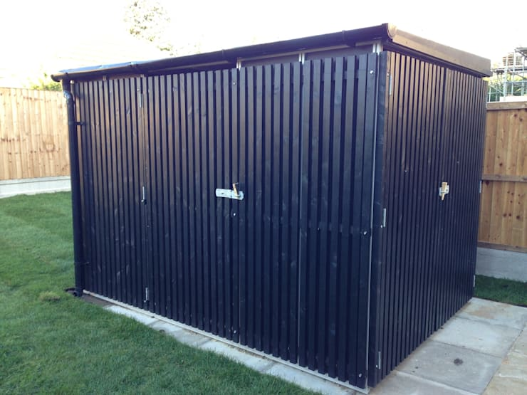 Commercial storage unit:  Garage/shed by Modular105.co.uk
