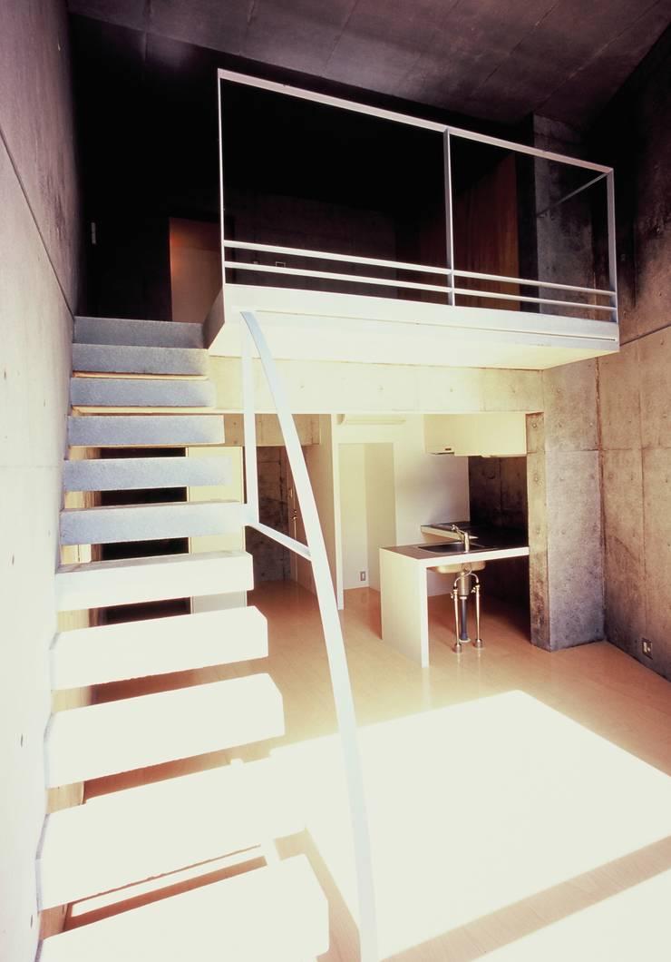 Residence LILAS: SOCIUS一級建築士事務所が手掛けたリビングです。,