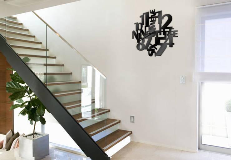 de estilo  por K&L Wall Art, Moderno