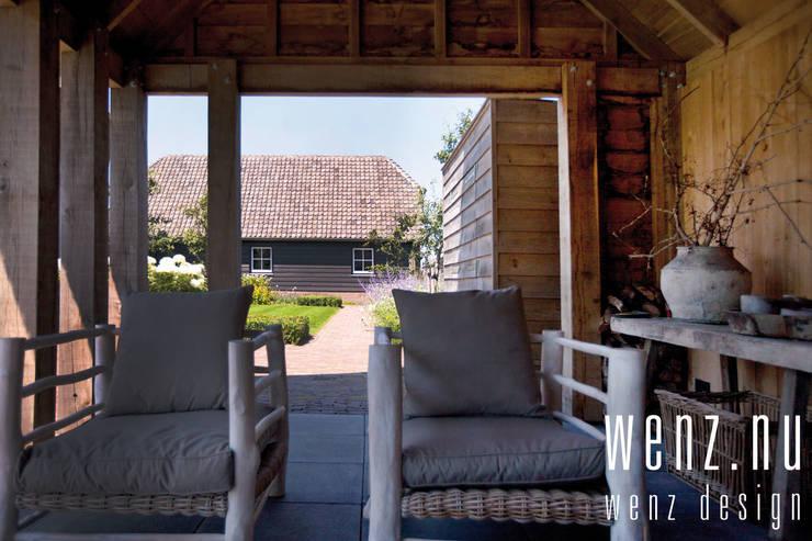 WENZdesign Poolhouse: rustiek & brocante Zwembad door WENZdesign