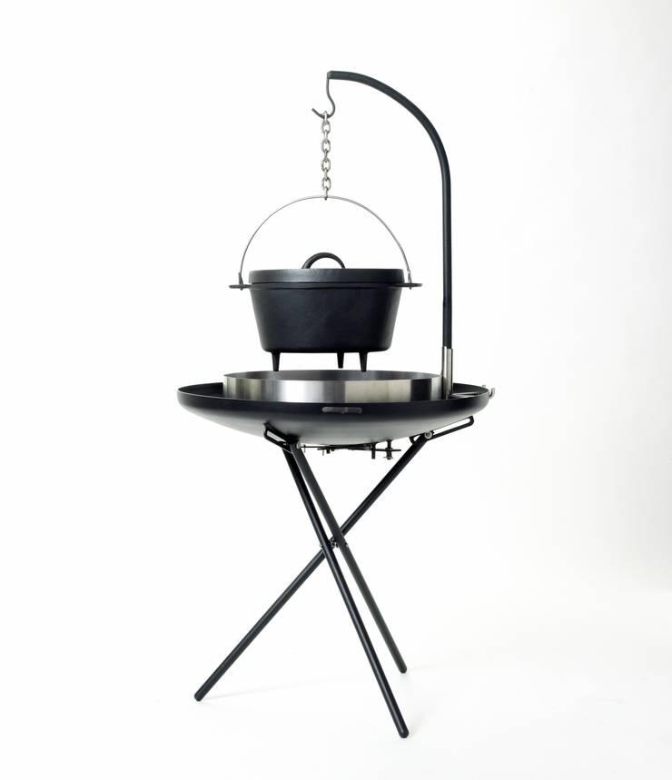 biqju; barbecue, vuurschaal, kookeiland en tafel inéén:   door biqju, Industrieel