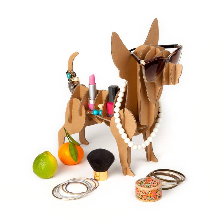 """Perro de Cartón """"Chihuahua"""": Hogar de estilo  de Milimetrado"""