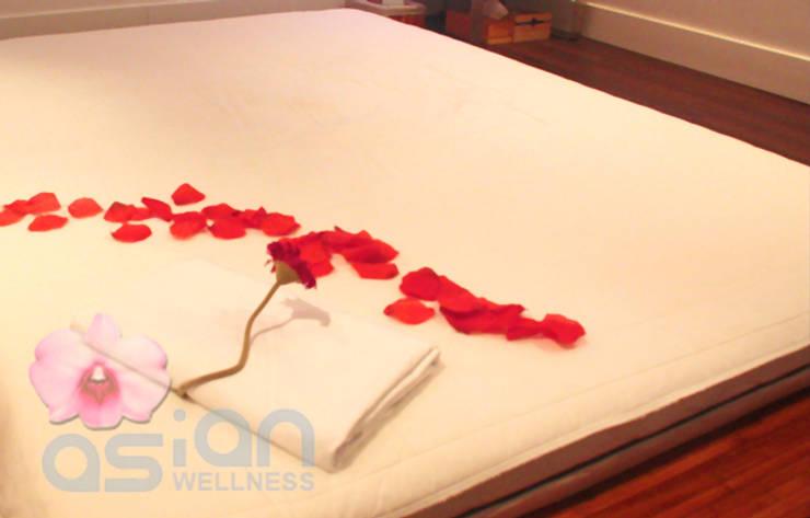 Asian Wellnes : Spa de estilo  de Asian Wellness