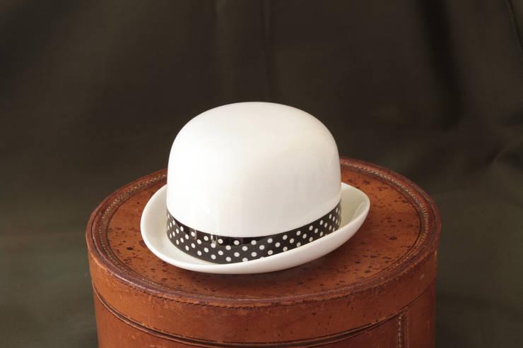 Sugar Bowl Tom:  Kitchen by Peter Ibruegger Studio