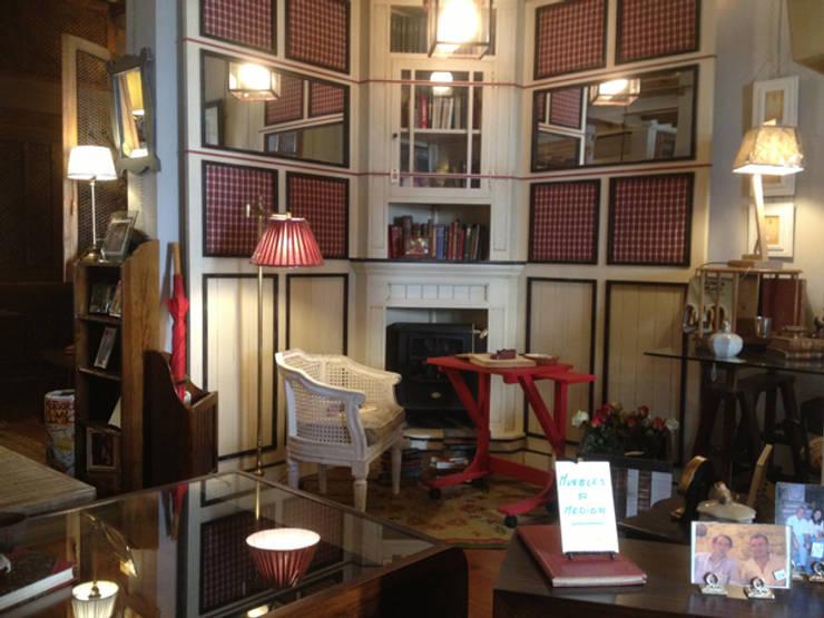 Nuestra tienda, Casa de Abastos: Salones de estilo  de MUEBLES DE LA GRANJA