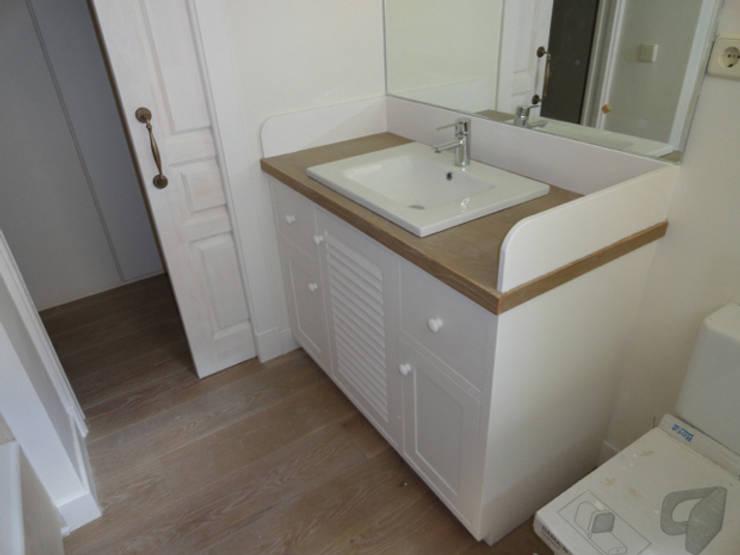 Mueble baño: Baños de estilo  de MUEBLES DE LA GRANJA