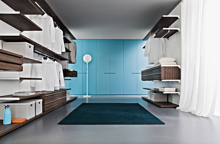 Wardrobes:  Bedroom by Reeva Design
