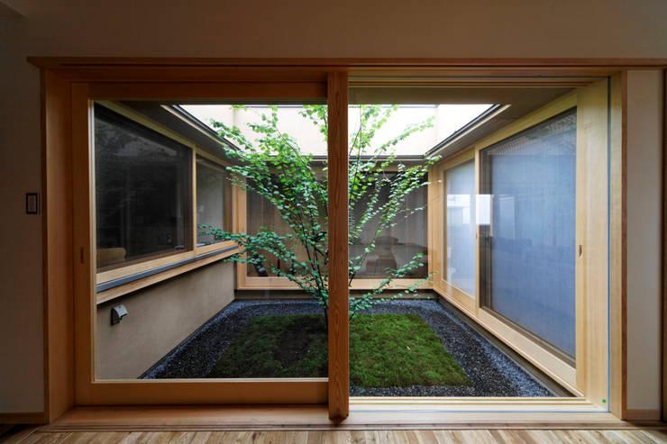 Jardines de estilo  por 長谷雄聖建築設計事務所