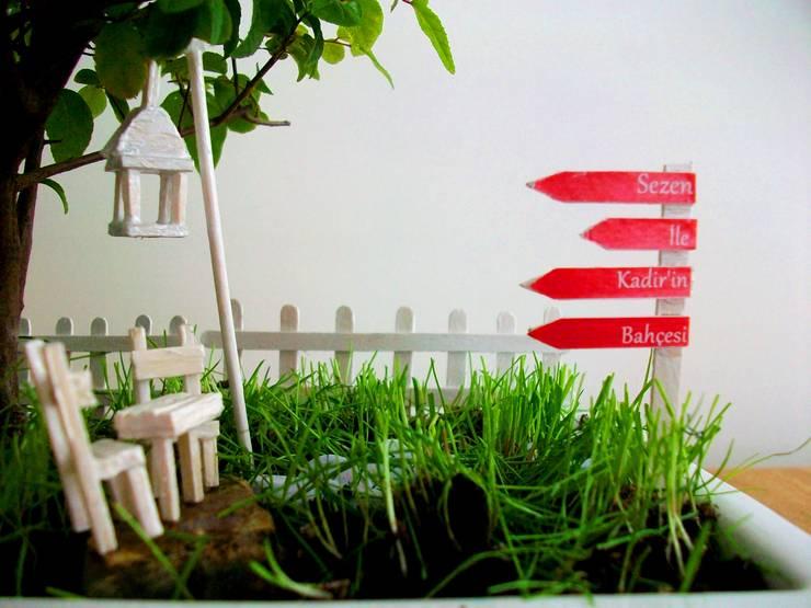 Bahçehane – Salıncaklı Bahçe : minimalist tarz , Minimalist