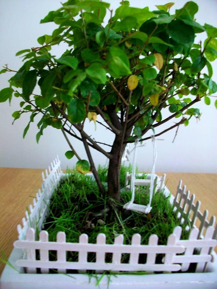 Bahçehane – Salıncaklı Bahçe: minimalist tarz , Minimalist