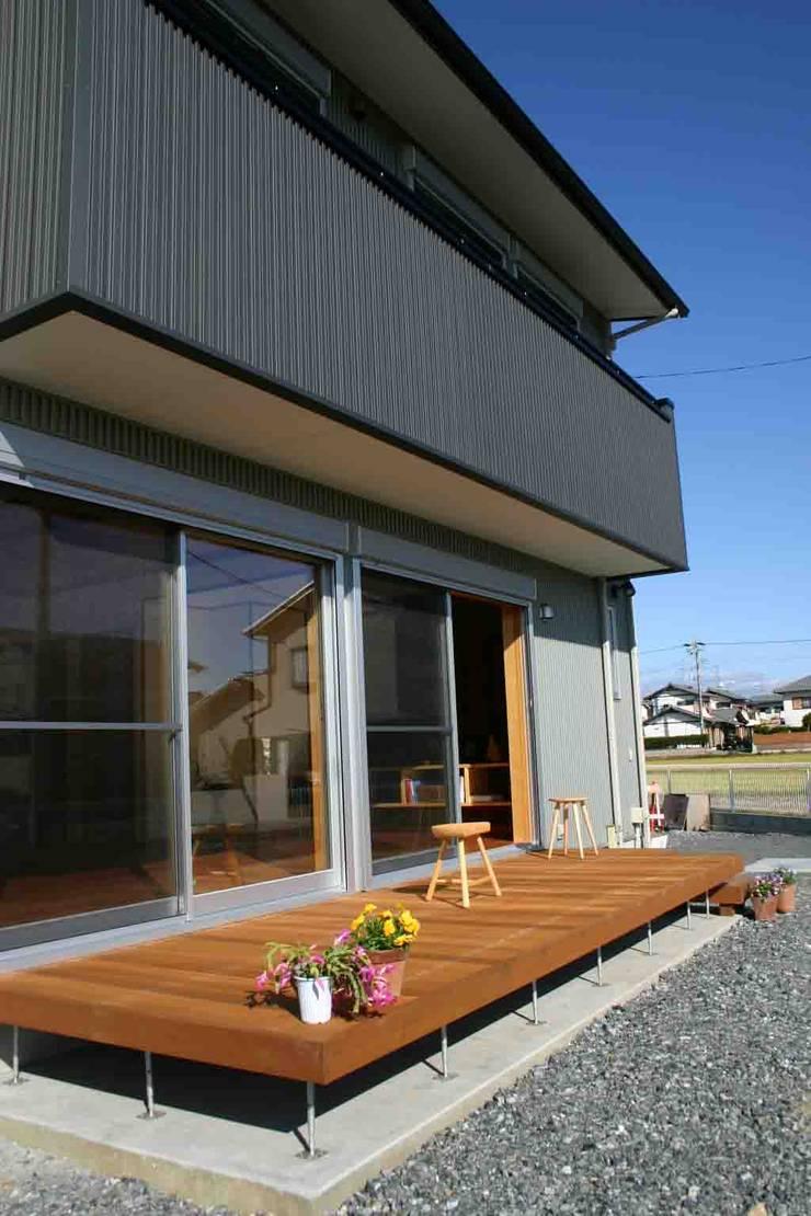.: さんさい工房一級建築士事務所が手掛けたテラス・ベランダです。,オリジナル
