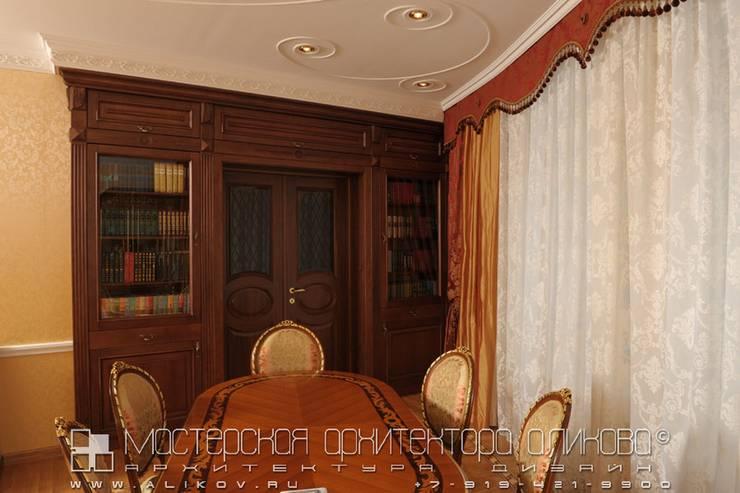 Гостиная в классическом стиле: Гостиная в . Автор – Мастерская архитектора Аликова
