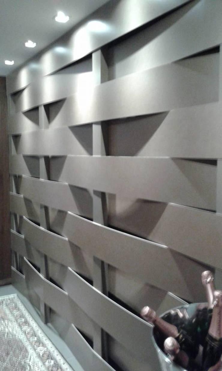 Treliça em porcelanato:   por Cristiano Carvalho Arquitetura e Design,Moderno