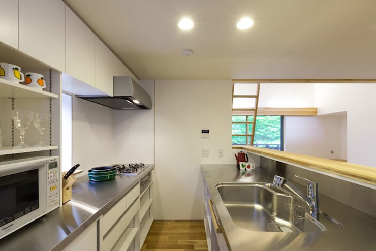 旧軽井沢の家: 光風舎1級建築士事務所が手掛けたキッチンです。,オリジナル