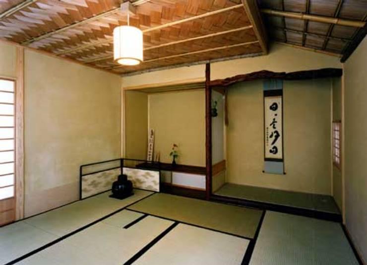 茶室: 片倉隆幸建築研究室が手掛けたです。