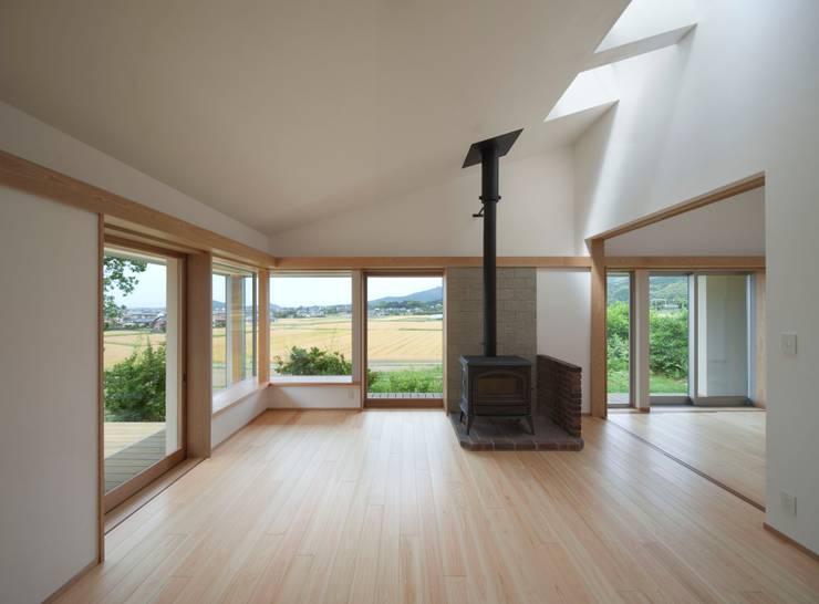 庚申堂の家 オリジナルデザインの リビング の ろく設計室 オリジナル