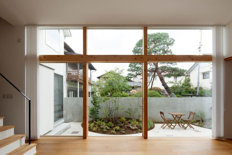 本の家: FURUKAWA DESIGN OFFICEが手掛けた庭です。