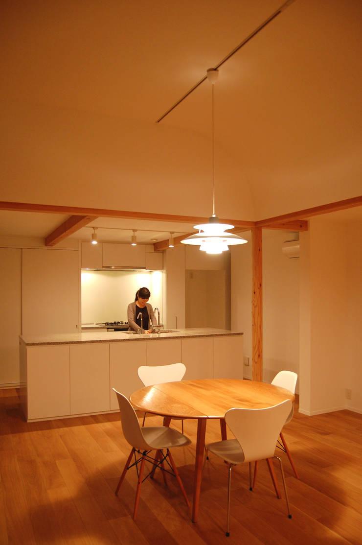 ダイニング・キッチン: FURUKAWA DESIGN OFFICEが手掛けたキッチンです。