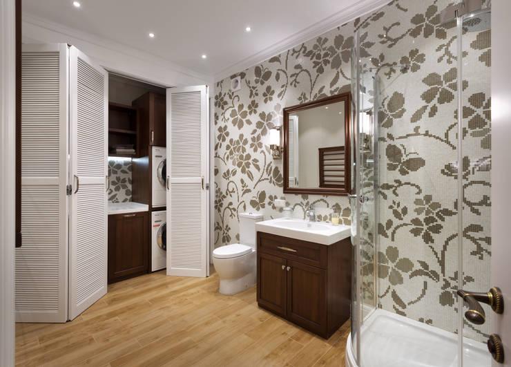 Casas de banho clássicas por MARTINarchitects