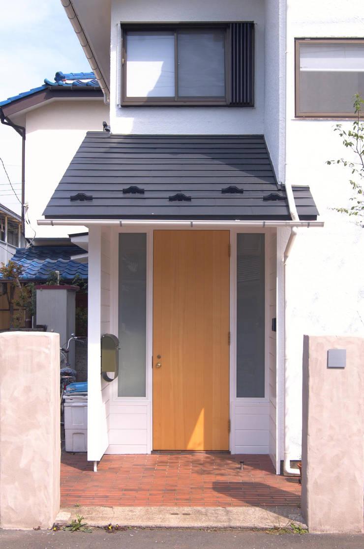 玄関: FURUKAWA DESIGN OFFICEが手掛けた家です。