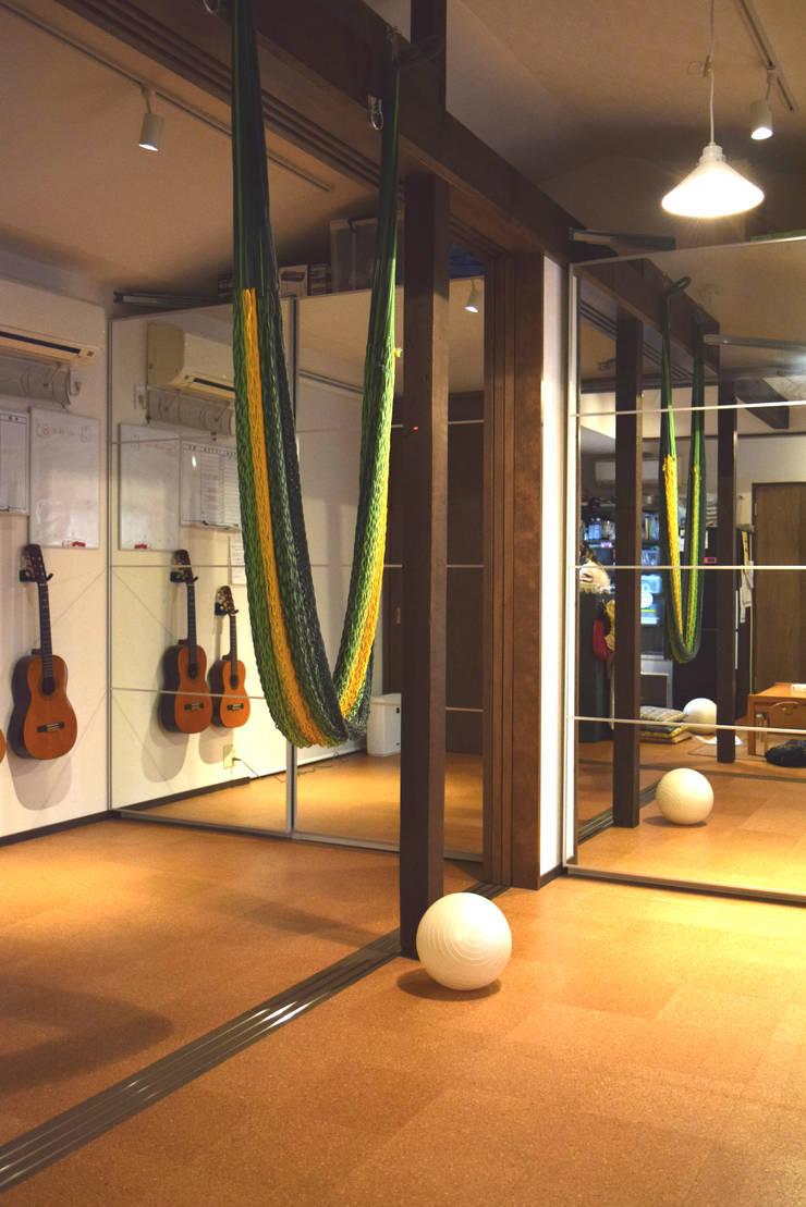 寝室・子供室: FURUKAWA DESIGN OFFICEが手掛けた和室です。,モダン