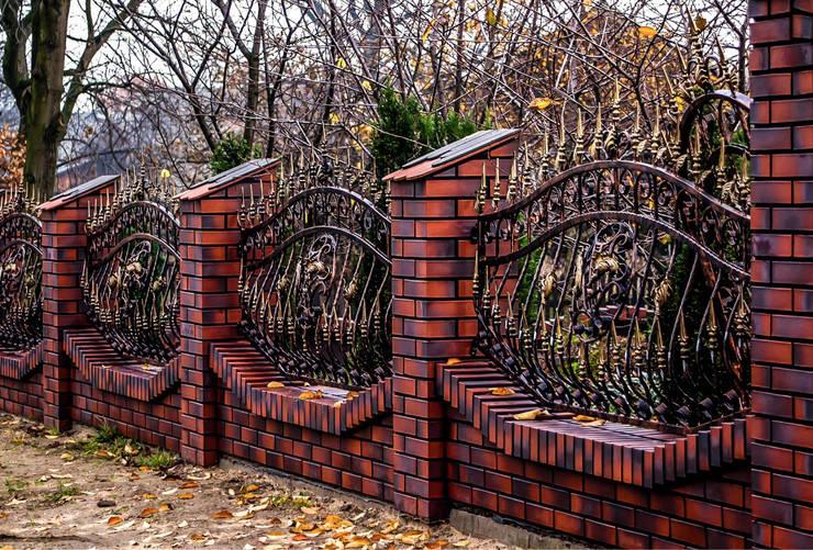 Realizacja ogrodzenia 7: styl , w kategorii Ogród zaprojektowany przez Armet