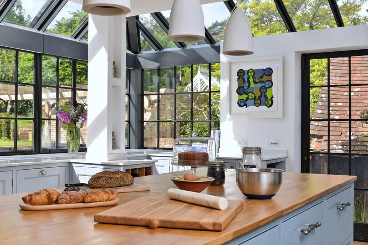 'Vivid Classic' Kitchen - worktop detail Classic style kitchen by Vivid line furniture ltd Classic