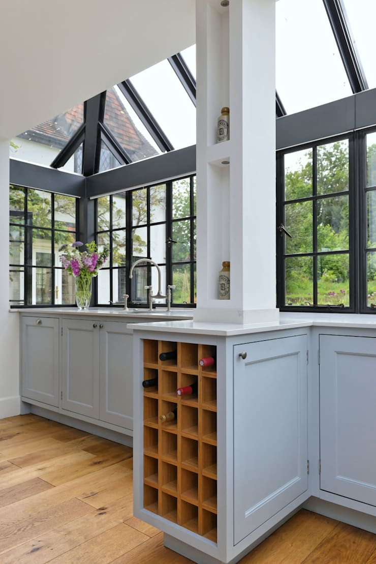 'Vivid Classic' Kitchen - wine shelves Classic style kitchen by Vivid line furniture ltd Classic