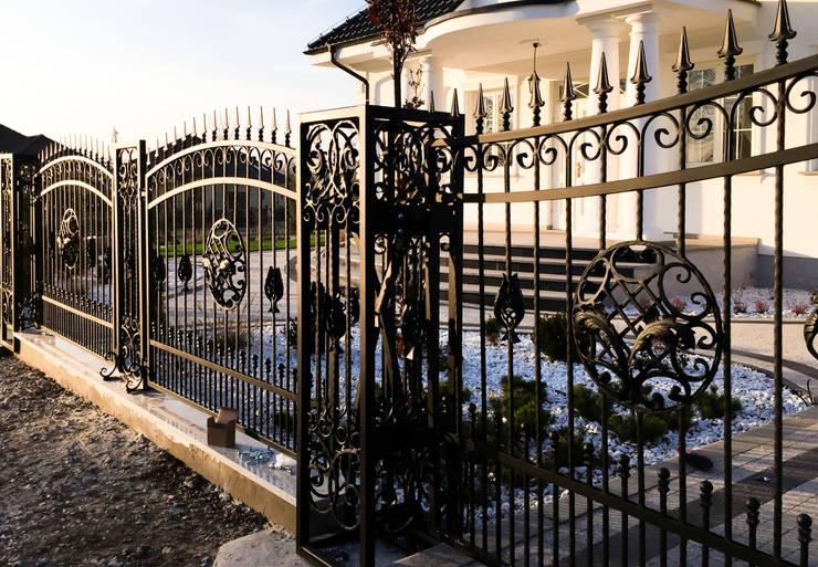 Realizacja ogrodzenia 10: styl , w kategorii Ogród zaprojektowany przez Armet