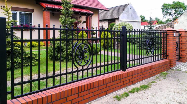 Realizacja ogrodzenia 12: styl , w kategorii Ogród zaprojektowany przez Armet