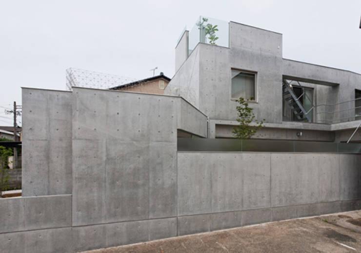 家族を育む家: アーキ・アーバン建築研究所+中出喜美男が手掛けた家です。