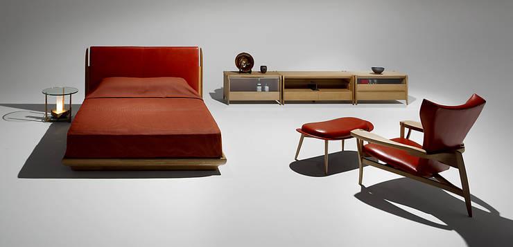ベッドルーム: 矩須雅建築研究所が手掛けた寝室です。
